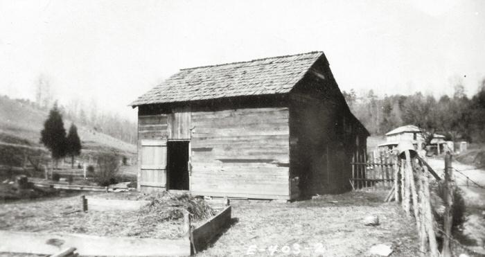 J. Walters Taylor Barn Garage