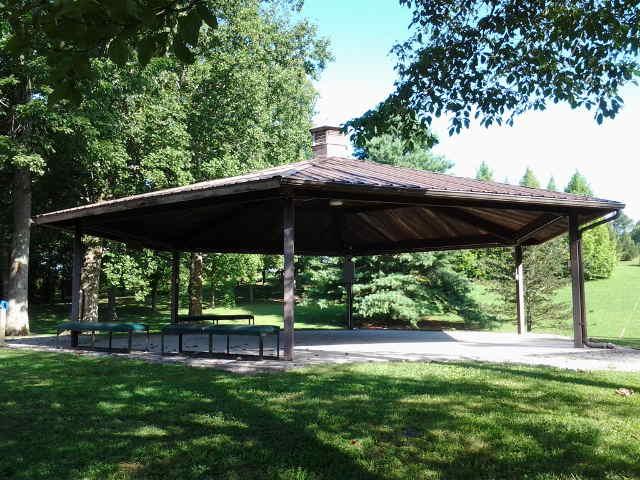 UT Arboretum Program Shelter